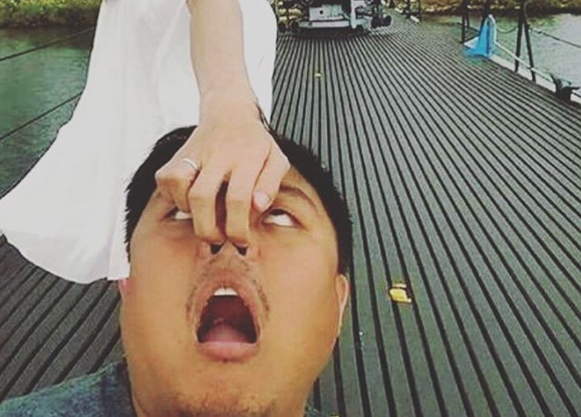 Parodie der #Follormeto-Bilder auf Instagram