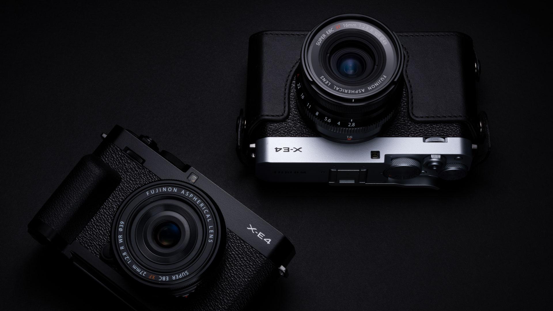 Fujifilm X-E4 schwarz und silber