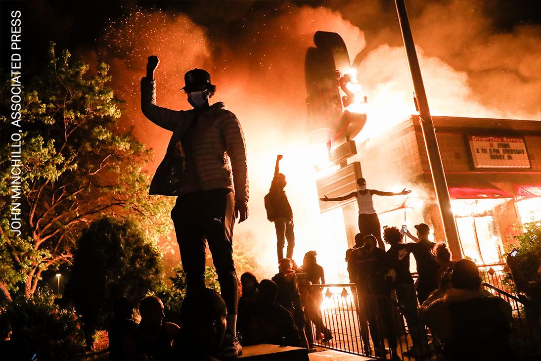 145_Online_John Minchillo_Associated Press