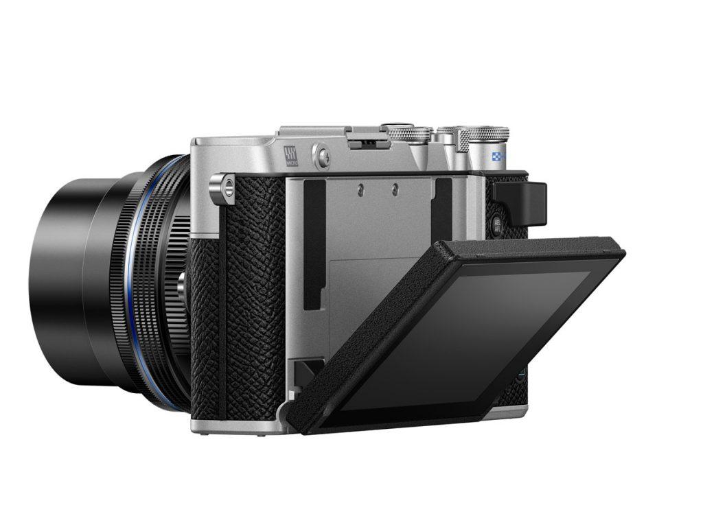 Olympus PEN E-P7 mit geschwenktem Display